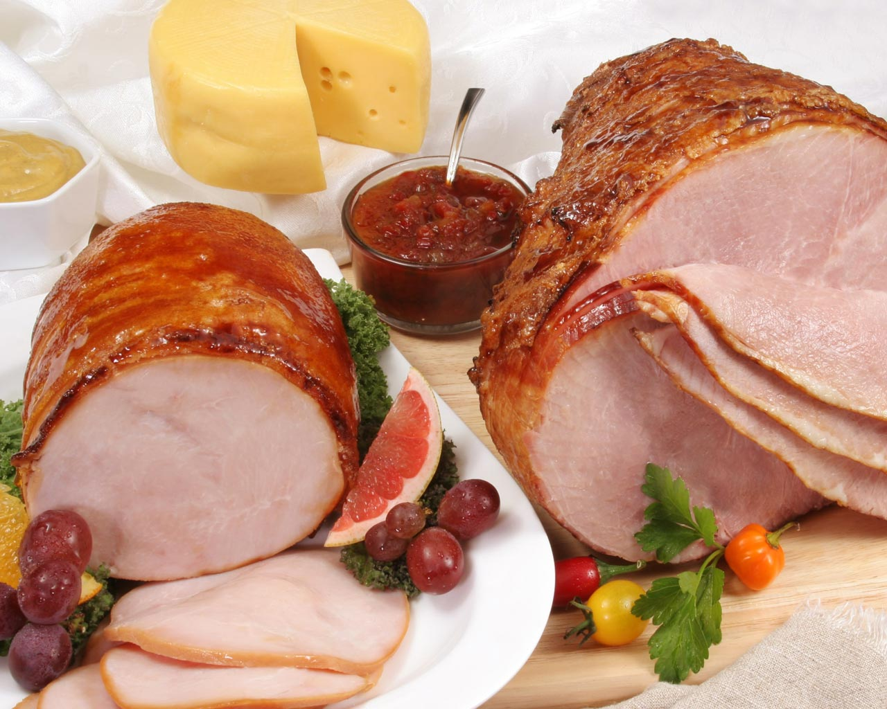 Holiday Ham, Turkey Breast, Swiss Cheese Combo with condiments